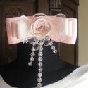Strasszos rózsaszín öv, Esküvő, Ruha, divat, cipő, Hajdísz, ruhadísz, Öv, Varrás, Virágkötés, Elegáns,sima vonalú ruhához képzeltem el ezt a rózsaszín-fehér övet.Szalag rózsával,csipkével és st..., Meska