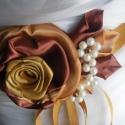 Bronz-arany fényű öv kálákkal esküvőre, Esküvő, Ruha, divat, cipő, Hajdísz, ruhadísz, Öv, Varrás, Virágkötés, Kellemes színharmóniát alkot a bronz és óarany.Elegáns kálák veszik körül a nagy tearózsát,gyöngyök..., Meska