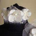 Fehér Hortenziás Hajdísz Esküvőre, Esküvő, Esküvői ékszer, Hajdísz, ruhadísz, Menyasszonyi ruha, Virágkötés, Varrás, Fésűre dolgoztam rá a fehér Hortenzia virágokat,amit szaténból,organzából és selyem virágból állíto..., Meska