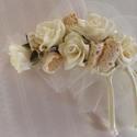 Romantikus Vintage Hajdísz rózsákkal, Esküvő, Esküvői ékszer, Hajdísz, ruhadísz, Menyasszonyi ruha, Virágkötés, Varrás, Apró habrózsák pamutcsipkével kiegészülve alkotják ezt a hajdíszt.Ekrü tüll fogja körül,amitől könn..., Meska