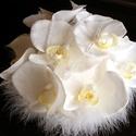 Tollas Orchidea Menyasszonyi Csokor,Hajdísz Szett, Esküvő, Esküvői csokor, Hajdísz, ruhadísz, Esküvői dekoráció, Virágkötés, Fehér,élethű Orchidea virágokat kötöttem csokorba. Pihe-puha tollgallérral díszítettem. Szárát fehé..., Meska