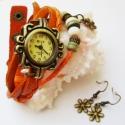 Narancs kisvirág karóra/ékszeróra, Ékszer, óra, Karkötő, Karóra, óra, Különleges óra réz színű foglalatban narancssárga színű bőr szíjjal és fa gyöngyökkel. A bőrszíj pat..., Meska
