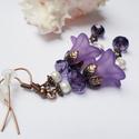 Középlila harangvirág fülbevaló, Ékszer, óra, Fülbevaló, Egyedi, elegáns fülbevaló lila és fehér színekben akryl virágól és tekla valamint donut gyöngyből. K..., Meska