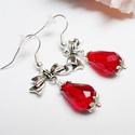 Piros csepp fülbevaló, Ékszer, óra, Fülbevaló, Romantikus és elegáns fülbevaló.  Piros üveg cseppből és ezüst színű szerelékekből készítettem el ez..., Meska
