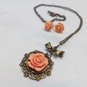 Rózsa szett, Ékszer, óra, Fülbevaló, Nyaklánc, Elegáns és romantikus szettet készítettem a rózsakedvelőknek.  Lazac/beige színű resin rózsákból kés..., Meska