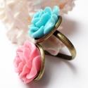 Türkiz-róza rózsaduó gyűrű, Ékszer, óra, Gyűrű, Resin rózsákból készítettem el ezt a gyűrűt. A rózsák 20mm átmérőjűek. A gyűrűalap állítható, így mi..., Meska