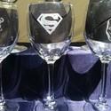 Superman boros pohár 1db (ajándék, férfi, bögre, gravírozott), Férfiaknak, Dekoráció, Sör, bor, pálinka, Üvegművészet, Superman (Szupermen) boros pohár 1 db, kézzel gravírozott, Superman emblémával rendelhető   Személy..., Meska