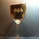 Batman boros pohár 1db (ajándék, férfi, bögre, gravírozott), Férfiaknak, Dekoráció, Sör, bor, pálinka, Üvegművészet, Batman  boros pohár 1 db, kézzel gravírozott, Batman emblémával rendelhető  Nagy, 4,2 dl-s borospoh..., Meska