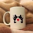 Mickey es Minnie Mouse szerelmes bögre (szerelem, valentin nap), Konyhafelszerelés, Bögre, csésze, Festett tárgyak, Kerámia, 3 dl-s kézzel festett bögre (porcelánfestékkel) Festés után ki lett égetve.  A bögrén Mickey es Min..., Meska