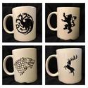 Trónok harca Game of thrones bögre Stark vagy Lannister ház jelével (férfi ajándék), Férfiaknak, Konyhafelszerelés, Sör, bor, pálinka, Bögre, csésze, Festett tárgyak, Kerámia, Jelenleg készleten csak 1db LANNISTER és 1 db BARATHEON!!!   3 dl-s kézzel festett bögre (porcelánf..., Meska