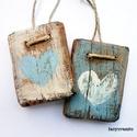 2 szív ( kék- fehér), Dekoráció, Otthon, lakberendezés, Dísz, Falikép, Egyedi, rusztikus fa dekoracio. falra akaszthato. 2 db,  kb 4.5 x 6 , es 5 x 6.5 cm + akaszto.  ajan..., Meska