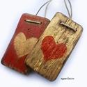 2 szív ( piros-arany), Dekoráció, Otthon, lakberendezés, Dísz, Falikép, Egyedi, rusztikus fa dekoracio. falra akaszthato. 2 db,  kb 4.5 x 8 , es 5 x 8.5 cm + akaszto.  ajan..., Meska