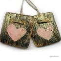 2 szív ( rózsaszín-arany), Dekoráció, Otthon, lakberendezés, Dísz, Falikép, Egyedi, rusztikus fa dekoracio. falra akaszthato. Nagyon csillogo.  2 db,  kb 8x8 cm + akaszto.  aja..., Meska