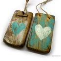 2 szív ( kék - fehér ), Dekoráció, Otthon, lakberendezés, Dísz, Falikép, Egyedi, rusztikus fa dekoracio. falra akaszthato. 2 db,  kb 5 x 8.5 cm + akaszto.  ajanlottan postaz..., Meska