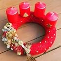 Igazi piros adventi koszorú, Dekoráció, Karácsonyi, adventi apróságok, Ünnepi dekoráció, Karácsonyi dekoráció, Virágkötés, 25cm szalma alapot piros kötött sállal tekertem körbe, 5,5cm átmérőjű 6 cm magas piros gyertyákkal,..., Meska