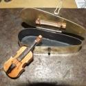 Pendrive hegedű tokkal, vonóval, Férfiaknak, Mindenmás, Hangszer, zene, Ötvös, Eredeti Stradivari!!!(alakú) fa hegedű tokkal, vonóval, ami egy 8 Gb-os pendrájvot rejteget.  A von..., Meska