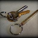 Feliratos kulcstartó, Férfiaknak, Dekoráció, Mindenmás, Kulcstartó, Ötvös, Ez a  kulcstartó az összetartozásotokat fejezi ki. Kerülhet rá név, rövid szöveg, évszám, stb.  A c..., Meska