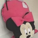 Minnie egér  -   párna, Baba-mama-gyerek, Játék, Gyerekszoba, Baba, babaház, Varrás, Hímzés, A gyerekek kedves mesehőse ihlette ez a párnát. Fekete és pink, kellemes tapintású polár anyagból k..., Meska