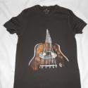 Gitár egyedi kézzel festett póló rendelő által biztosított darabra, Ruha, divat, cipő, Férfi ruha, Festészet, Festett tárgyak, Zene ,zene zene!!!!Maga az élet!!!! Rendelőm számára, a rockos hangzás a legkedvesebb.Sokat gondolk..., Meska