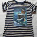 Titanic kézzel festett fiú póló rendelő által biztosított alapra, Ruha, divat, cipő, Gyerekruha, Kamasz (10-14 év), Festészet, Festett tárgyak, Festésre szánt pólót rendelőm biztosította. Kérésre tudok pólót is biztosítani!!Titanic...Egy fiata..., Meska