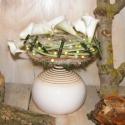 Madárfészek asztalidísz, Dekoráció, Otthon, lakberendezés, Kaspó, virágtartó, váza, korsó, cserép, Virágkötés, Ez a 7 gumi kálából és 4 mini habrózsából készített kompozíció jól mutat modern de kissé rusztikusa..., Meska