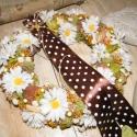 Margarétás ajtódísz, Dekoráció, Otthon, lakberendezés, Virágkötés, A kora tavaszi rét ihlette ezt a kopogtatót. A szalma alapra terméseket és selyemvirágokat ragaszto..., Meska
