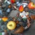 Törpös koszorú , Dekoráció, Otthon, lakberendezés, Dísz, Virágkötés, Moha alapon saját kézzel készített őszi koszorú. A koszorú átmérője kb. 25 cm, Meska