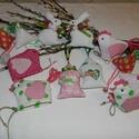 Rózsaszín tojásfa, Dekoráció, Húsvéti apróságok, Otthon, lakberendezés, Varrás, 12 darabból álló szett. Rózsaszín pamutvászonból varrtam ezeket a díszeket, amelyeket fel lehet aka..., Meska