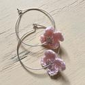 Horgolt fülbevaló rózsaszín, Ékszer, óra, Fülbevaló, Karika fülbevaló kézzel készült horgolt virággal. A karika átmérője 3cm., Meska