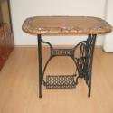 kávézó asztal, Bútor, Asztal, Kerámia, Mozaik, Az asztal magassága: 75 cm Az asztallap mérete: 50 x 80 cm A lábát egy régi Singer varrógéptől örök..., Meska