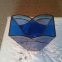 Tengernyi kék, Dekoráció, Otthon, lakberendezés, Kaspó, virágtartó, váza, korsó, cserép, Üvegművészet, 26 cm magas 4 különböző áttetsző kék üvegből készült váza. Talpa 8,5 x 8,5 cm, teteje 8,5 x 16 cm...., Meska