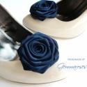 Feketés kék cipőklipsz, Ruha, divat, cipő, Cipő, papucs, Varrás, Ékszerkészítés, Feketés kék árnyalatú rózsa cipőre. (Szinte csak a napfényben adja ki igazán a kék árnyalatot, anny..., Meska