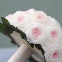 Nosztalgia rózsacsokor , Esküvő, Dekoráció, Esküvői csokor, Ünnepi dekoráció, Mindenmás, Virágkötés, Ez a csokor postázásra kész!Rózsaszín és ekrü szirmokból nagy szeretettel és gondossággal a szabást..., Meska