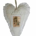 Nosztalgikus dekorációs szív - Karácsonyi textilképpel, antik vászonnal, csipkével, Dekoráció, Karácsonyi, adventi apróságok, Karácsonyi dekoráció, Dísz, , Meska