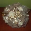 menyasszonyi csokor, Esküvő, Esküvői csokor, Virágkötés, Készítettem egy csokrot csipkéből,szalagokból,selyem virágból,a dédi melltűjéből. Magassága 22cm,át..., Meska