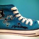 Gigush Design baglyos tornacipő 38-as, Ruha, divat, cipő, Cipő, papucs, Festészet, Mindenmás, Egyedi, kézzel festett textilfestékkel díszített tornacipő, (tisztítani hagyományos módon lehet).  ..., Meska