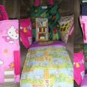 Egyedi kézműves babaház - Hello Kitty babaház, Játék, Baba, babaház, Varrás, Egyedi tervezésű és készítésű babaház Vatelinnel bélelt Falak szélessége 18 és 28 cm,magasság 24 cm..., Meska