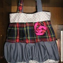 Egyedi romantic/shabby táska, Táska, Válltáska, oldaltáska, Egyedi női táska romantikus stílusban Magassága 40 cm,szélessége 34-50 cm Pántok hossza 76 cm,bősége..., Meska