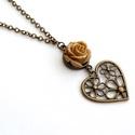 Karamell rózsás nyaklánc, Ékszer, óra, Nyaklánc, Ékszerkészítés, Romantikus, virágos szívvel és karamellszín rózsával díszített nyaklánc. Anyák napi ajándéknak is t..., Meska