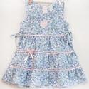 Kék-rózsaszín 146, 152 apróvirágos nyári ruha, Ruha, divat, cipő, Gyerekruha, Gyerek (4-10 év), Baba (0-1év), Varrás, Hímzés, A kék-rózsaszín apróvirágos nyári pamut ruhánk romantikus stílusa magával ragadó. A szaténszalaggal..., Meska