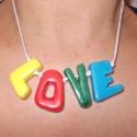 LOVE feliratos kerámia nyaklánc, Ékszer, óra, Medál, Nyaklánc, Csomózás, Kerámia, Négy színű mázzal bevont, egyedi, kézzel faragott betűkből álló nyaklánc, makramé csomózással. A nya..., Meska