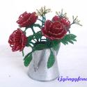 Piros rózsa  cink kiöntóben  gyöngyből, asztali dísz, Otthon, lakberendezés, Dekoráció, Kaspó, virágtartó, váza, korsó, cserép, Ünnepi dekoráció, Gyöngyfűzés, Virágkötés, A díszt 6 cm magas és 5 cm átmérőjű cink kiöntőbe készítettem. A dísz teljes magassága ( virág + ci..., Meska