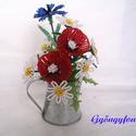 Pipacs margitvirággal és búzavirággal cink kiöntóben  gyöngyből, asztali dísz, Otthon, lakberendezés, Dekoráció, Kaspó, virágtartó, váza, korsó, cserép, Ünnepi dekoráció, Gyöngyfűzés, Virágkötés, A díszt 6 cm magas és 5 cm átmérőjű cink kiöntőbe készítettem. A dísz teljes magassága ( virág + ci..., Meska