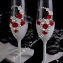 Piros-fehér esküvői poharak, Esküvő, Nászajándék, Festett tárgyak, Üvegművészet, Fehér alapra piros, és fehér virágokat raktunk. Igen kontrasztos, akinek fehér a menyasszonyi ruháj..., Meska