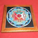Mandala csempelap 01, Dekoráció, Esküvő, Képzőművészet , Kerámia, 15x15 cm csempelapra 200°C égetett mandala kép, fa keretben. Asztalra fektetve, állítva vagy falra ..., Meska