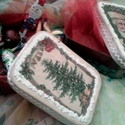 Mikulás puttony helyett!, Dekoráció, Karácsonyi, adventi apróságok, Ajándékzsák, Karácsonyi dekoráció, Decoupage, szalvétatechnika, Festett tárgyak, Ha én gyerek lennék,szívesen bontogatnám egy ilyen dobozból a csokit,mogyorót!Az se lenne baj,ha ne..., Meska