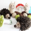 Erdei  babaforgó, horgolt gyerekszoba dekoráció, sündisznó, csiga, gomba, makk