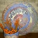 Színőrvény  Mozaik Korong Kaspóval, Dekoráció, Otthon, lakberendezés, Dísz, Kaspó, virágtartó, váza, korsó, cserép, Kerámia, Fehér agyagból kézzel felrakásos technikával  készítettem  ezt az egyedi mintájú párost .Mozaik jel..., Meska