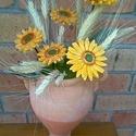 Kerámia virág kompozíció, Dekoráció, Otthon, lakberendezés, Húsvéti apróságok, Kaspó, virágtartó, váza, korsó, cserép, Kerámia, Virágkötés, Aprólékos kézi munkával fehér  agyagból készítettem ezeket a virágokat .Második égetés előtt szép f..., Meska