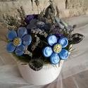 Kék Színei Levendulával Kerámia Virágok  Kaspóban, Otthon, lakberendezés, Kaspó, virágtartó, váza, korsó, cserép, Kerámia, Virágkötés, Kézzel készített mázas kerámia virágok  festett drót száron , mázas kaspóban.Szárított  növényekkel..., Meska